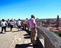 La Vuelta, la Virgen y San Roque llenan los hoteles de Burgos http://www.rural64.com/st/turismorural/La-Vuelta-la-Virgen-y-San-Roque-llenan-los-hoteles-de-Burgos-6283