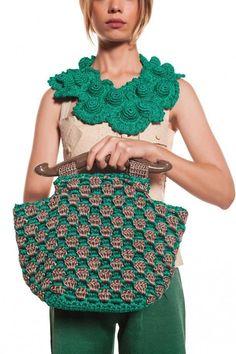 Discover thousands of images about Tas rajut cantik! Crochet Diy, Freeform Crochet, Love Crochet, Beautiful Crochet, Crochet Stitches, Crochet Clutch, Crochet Handbags, Crochet Purses, Crochet Bags