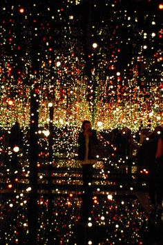35 meilleures images du tableau yayoi kusama yayoi. Black Bedroom Furniture Sets. Home Design Ideas