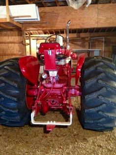 FARMALL 560 Farmall Tractors, Ford Tractors, International Tractors, International Harvester, Vintage Tractors, Vintage Farm, Tractor Pictures, Tractor Mower, Tractor Pulling