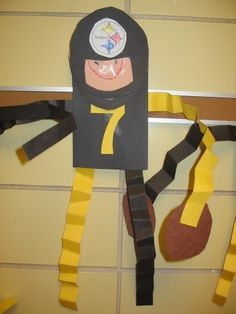 It's almost time for the Superbowl, and that means that it's almost party time! Well in my classroom at least! I've been busy collecting some ideas to bring football to my class… Craft Activities, Preschool Crafts, Crafts For Kids, Arts And Crafts, Classroom Crafts, Football Crafts, Football Themes, Superbowl Decor, Tailgating