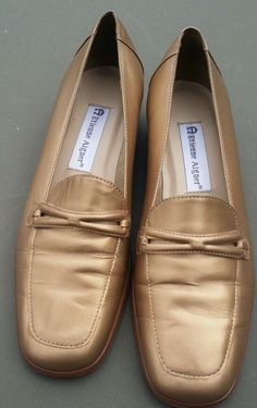 ETIENNE AIGNER Loafers Gold Leather comfort Flat  Shoes Size 7.5 M STELLA  #EtienneAigner #LoafersMoccasins #BridalorWedding