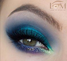 Teal Makeup, Lip Makeup, Beauty Makeup, Mermaid Eyes, Contour With Eyeshadow, Dramatic Makeup, Eye Make Up, Makeup Inspiration, Makeup Ideas
