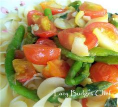 Lazy Budget Chef: Asparagus and Tomato Saute Recipe - a quick and healthy dinner idea!