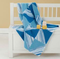 Half Square Triangle Blanket: #knit #knitting #free #pattern #freepattern #freeknittingpattern #knittingpattern