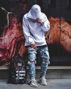 Urban Fashion Trends, Fashion Mode, Fashion Menswear, Yeezy Outfit, Urban Style Outfits, Indie Outfits, Photo Poses For Boy, Stylish Mens Fashion, Fashion Edgy