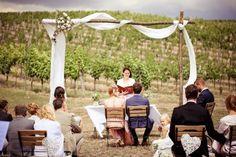 Hochzeit im Weinviertel mit ~ Nici & Flo ~ Wedding Locations, Wedding Photography, Table Decorations, Ideas, Courthouse Marriage, Photo Shoot, Wine, Wedding Photos, Wedding Pictures