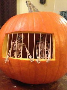 51 Funny Creative Pumpkin Carving Ideas You Should Try This Halloween Hallowen Ideas, Easy Halloween Decorations, Diy Party Decorations, Halloween Party Decor, Halloween Crafts, Halloween Quotes, Halloween Stuff, Halloween Costumes, Spooky Halloween