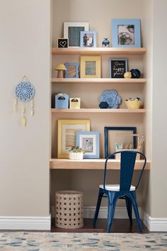 Give your kids a creative space in your own home using Krylon® COLORmaxx and Chalky Finish spray paint, and Minwax® Wood Finish™ Spray Paint Crafts, Blue Spray Paint, Spray Paint Projects, Craft Projects, Krylon Colors, Colorful Picture Frames, Chalkboard Spray Paint, White Wash Brick, Craft Corner
