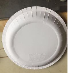 2017 Newest Automatic Paper Plate Machine Video: Advantages of equipment: 1. High efficiency and production. 2. the production of high qualified rate, there is less waste. Detail Model high speed automatic Paper Plate Machine Paper material cardboard paper Paper specification  200gsm ~350gsm production capacity 35~45 times/min(depend on size) Total power 3kw Power supply 380V/220V Air supply 1 MPa weight 580kg packing meas 1300*800*1400mm