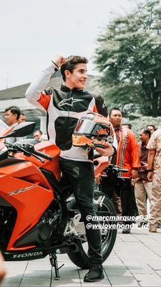 Marc Marquez, Sport 2, Motogp, Handsome Boys, Race Cars, Honda, Champion, Motorcycle, Poses
