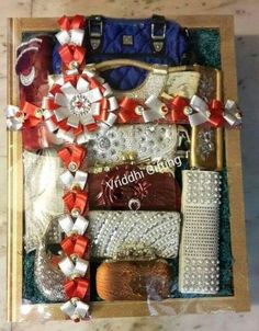 10 Awesome, Creative and Memorable Wedding Guest Book Ideas Wedding Gift Baskets, Wedding Gift Wrapping, Indian Wedding Gifts, Indian Wedding Decorations, Trousseau Packing, Gift Wraping, Marriage Decoration, Wedding Plates, Wedding Crafts