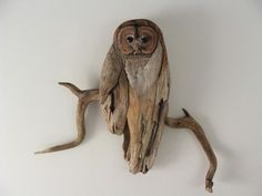 DIY Driftwood Decor: Ideas and Projects Crafts Bricolaje - Driftwood 4 Us Driftwood Sculpture, Driftwood Art, Wooden Sculptures, Sand Crafts, Wooden Crafts, Beach Crafts, Nature Crafts, Driftwood Projects, Driftwood Ideas