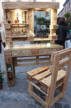 Mirrored Pallet Vanity Set With Jewelry Rack & Pallet Chairs
