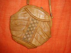 Vintage Handtaschen - tasche*Vintage*cognac*braun*Leder*rund*Hippie* - ein…