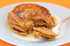 healthy carrot cake pancakes (healthy)