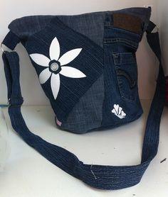 Tas spijker/witte bloemen, voor Spijkerbroek wordt tas!