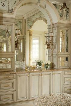 Elegant bathroom!.. but no doggies ..