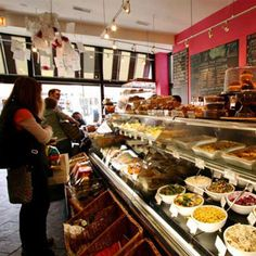 Tour two of Chicago's trendiest neighborhoods on this delicious food tour of the finest dining establishments in Bucktown and Wicker Park.