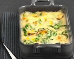Creamy gratin of potatoes, spinach and mushrooms: www.fourchette-and . Cooking Chef, Easy Cooking, Cooking Recipes, Healthy Recipes, Vegetarian Recepies, Salty Foods, Spinach Recipes, Food Dishes, Coco