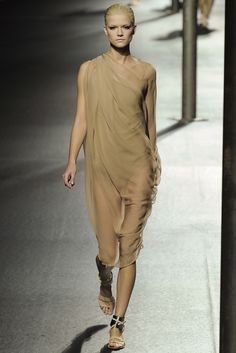 Lanvin Spring 2011 Ready-to-Wear Fashion Show - Frida Gustavsson (IMG)