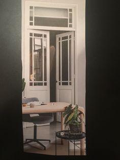Het glas in de deur en erboven spreekt ons erg aan.
