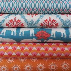 Monaluna, leuke (tricot) stoffen te koop, leuk voor rokjes! Sewing Crafts, Sewing Projects, Fabulous Fabrics, Couture, Cool Websites, Fabric Design, Printing On Fabric, Little Girls, Diy And Crafts