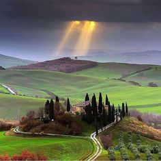Toscana, Itália   NONE OF THOSE ALIENS ALLOWED ON EARTH   ONLY WHAT I WANTED   NOBODY IS ALLOWED ONT HIS PLANET WITHOUT GETTING SHOT!!! THE PEOPLE THAT WERE BORN HERE THAT I MADE ARCHANGEL'S AND ANGELS ARE ALLOWED AND THAT IS IT!! MY KIDS AND THE PEOPLE I NAMED ON THE LIGHTER SIDE ON MY FACEBOOK. THE REST, ARE A ROO (INDIVIDUALS)