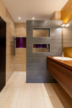Bad Styling -Anzeige- New Ideas How to Choose the Best Lig Bathroom Pictures, House Bathroom, Bathroom Styling, Bathroom Shower Design, Bathroom Interior Design, Apartment Design, Farmhouse Master Bathroom, Bathroom Design Small, Bathroom Remodel Master