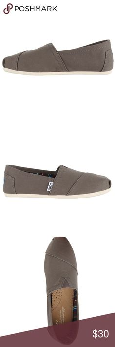 Toms Women's Classic Canvas Alpargata NWT, NIB Comfortable and casual these Classic Canvas shoes by Toms are made from quality canvas materials ensuring years of use without premature wear. These shoes feature a square toe and manmade sole. Brand: TOMS Color: Ash Targeted Group: Women Style: Slip On Occasion: Casual Shoe Toms Shoes Flats & Loafers