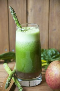 Crisp Green Juice. Who knew a juice made with asparagus could taste so good?