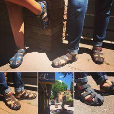 Comodidad, frescura y calidad, todo en uno! Es lo que podrás encontrar en nuestras sandalias Lois Jeans Un todo terreno para cualquier ocasión del día, paseos urbanos, campo, casal de verano,.. , en definitiva.. pensadas para acompañarte estas VACACIONES!   #⃣#elsomni #cardedeu #sandalias #lois #instafashion #instashoes #instadaily #instaphoto #instacollage #instapicture #iphonesia