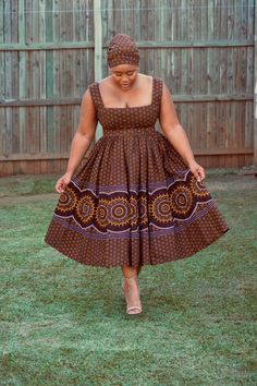 Couples African Outfits, Best African Dresses, Latest African Fashion Dresses, African Print Dresses, African Attire, Seshweshwe Dresses, South African Traditional Dresses, Curvy Girl Outfits, Dame
