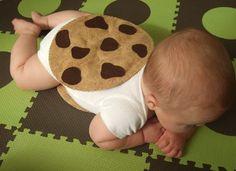 We loved this cute cookie sandwich! #halloween2012