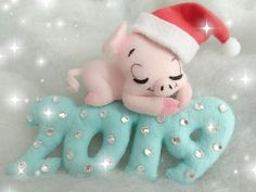 First Christmas ornament/ New baby gift/ Felt piglet/ Stuffed Christmas Tree Toy, First Christmas Ornament, Christmas Crafts, Holiday Ornaments, Xmas, Pig Crafts, Felt Crafts, Pig Baby Shower, Holiday Crochet