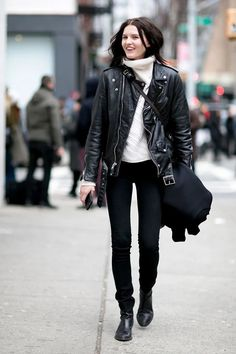 Buy Baggy Sweaters This Winter - Chicute Winter Fashion Outfits, Look Fashion, Autumn Winter Fashion, Street Style 2016, Model Street Style, Oversized Sweater Outfit, Sweater Outfits, Skinny Jeans Negros, Baggy Sweaters