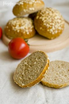 Bułki pełnoziarniste Baked Potato, Hamburger, Food And Drink, Cooking Recipes, Ale, Bread, Baking, Ethnic Recipes, Bakken