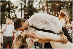 Wedding Pictures Yosemite Campground Wedding – India Earl Photography - Haeli and Briar. These two had the most beautiful and incredible wedding weekend with their people camping in Yosemite National Park. Wedding Goals, Wedding Pictures, Dream Wedding, Wedding Weekend, Wedding Day, Wedding Bible, Wedding Beach, Spring Wedding, Wedding Engagement