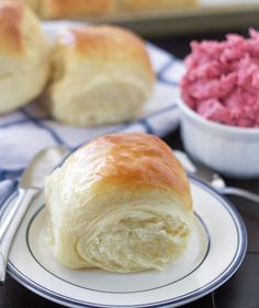 These Lion House Rolls are some of the best rolls you'll ever eat. If you live in Utah, you probably know how legendary they really are.
