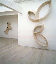 Annely Juda Fine Art | Exhibitions | Nigel Hall : Forms in Light and Shade: Recent Sculpture and Drawings (2005)
