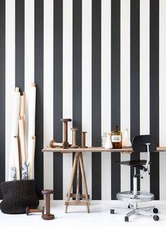 Streifen Vertikal Und In Schwarz Weiß: Tapete Vertigo Von Ferm Living #büro  #