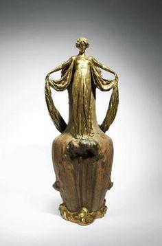 JEANNE JOZON (1868-1946)   Important vase en grès porcelainique avec monture en bronze doré. 69 cm. Vers 1900.