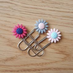 Sunflower paperclips set of 3 planner clips cute Etsy Handmade, Handmade Items, Handmade Gifts, Purse Organization, School Gifts, Etsy Crafts, Paper Clip, Teacher Gifts, Holiday Gifts