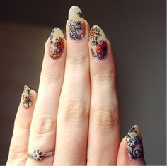 "Wildflowers on nude nails- ""Based on the beautiful botanical tattoos done by Kirsten Holliday"" The best new nail polish colors and trends plus gel manicures, ombre nails, and nail art ideas to try. Get tips on how to give yourself a manicure and. Nude Nails, Matte Nails, Acrylic Nails, Coffin Nails, Oval Nails, Botanisches Tattoo, Tattoos, Nail Art Designs, Nail Design"