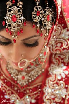 Everything related to indian fashion; whether it be bridal or casual. Big Fat Indian Wedding, Indian Wedding Jewelry, Indian Bridal, Bridal Jewelry, Indian Weddings, Exotic Dance, Indian Nose Ring, Exotic Beauties, Asian Bride