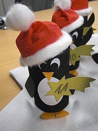 Bastelanleitungen für Adventskalender Pinguine auf Eisscholle - winterliche Adventskalender mit Pinguine schnell und einfach aus Klopapierrollen selber basteln und befüllen