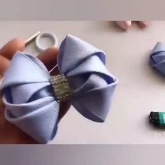 Diy Lace Ribbon Flowers, Diy Ribbon, Ribbon Crafts, Ribbon Bows, Fabric Flowers, Making Hair Bows, Diy Hair Bows, Ribbon Embroidery Tutorial, Fabric Bow Tutorial