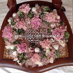 The homemade wreath.......