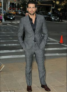 Jesse Metcalfe in a classy chambray suit.