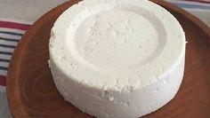 Se tens 1 litro de leite, 1 iogurte e meio limão, podes preparar o melhor queijo caseiro! É tão fácil! | Receitas Para Todos os Gostos